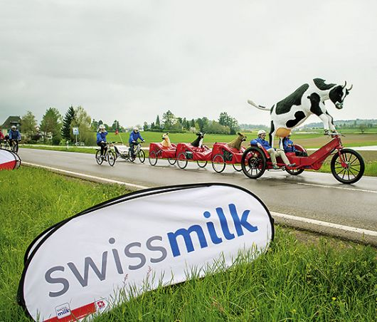 SWISSMILK – LOVELY ON TOUR – ACHTE AUF DAS MEGA-BIKE